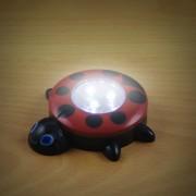 Elemes nyomógombos éjszakai gyerek lámpa katica 10 cm