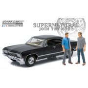 Artisan Collection - Supernatural TV Series 2005- 1967 Chevrolet Impala Sport Sedan with Sam and Dean Figures 1 18
