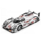 NINCO Audi R18 E-Tron Le Mans 2011 Car Lightning Edition