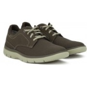 Clarks Tunsil Plain Casual Shoes For Men(Brown)