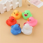 AST Works Ducks Bath Toys Light-up Baby Shower Duckling Tub Toys Water Flashing Light Y