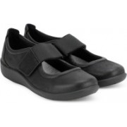 Clarks Sillian Cala Black Synthetic Casuals For Women(Black)