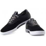 Puma Funist Lo Nm Sneakers For Men(White, Black, Grey)
