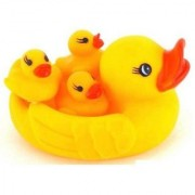 BanteyBanatey Duck Family Squeeze Bath Toy (Yellow)