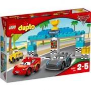 Jucarie LEGO Duplo Cursa Pentru Cupa Piston