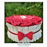 Кутия с Червени Рози за Подарък