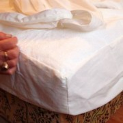 Vízhatlan körgumis antiallergén matracvédő frottírlepedő, Sabata, 200x200 cm