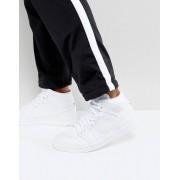 Nike - Air Jordan 1 - Vita träningsskor med halvhög skaft 554724-104 - Vit