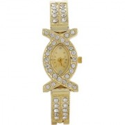 American Oval Dial Golden Metal Strap Women Quartz Watch