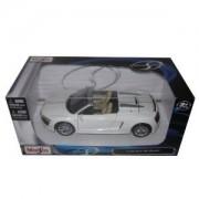 Audi R8 Spyder V10 White 1:24 Diecast Model Car