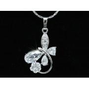 Swarovski kristályos nyaklánc: Ívelt szárú Virágos medállal