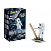 Revell Apollo 11 Astronaut on the Moon (50 Years Moon Landing) 3702