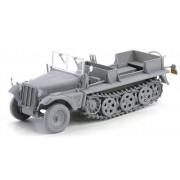 Dragon Models Sd.Kfz.10 Ausf.B, 1942 Production Model Building Kit, Scale 1/35