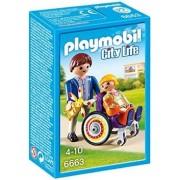 Copil In Carucior Cu Rotile Playmobil