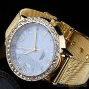 Ceas de mana auriu cu cristale pe cadran alb