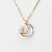 Baby Moon マザーオブパールペンダント(K10)