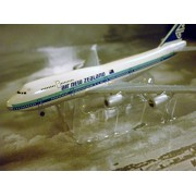 Air New Zealand Airlines Boeing 747 Jet Plane 1:600 Scale Die-cast Plane Made in Germany by Schabak