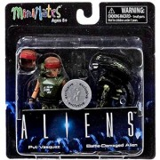 Aliens Minimates Series 1 Pvt. Vasquez & Battle-Damaged Alien Exclusive 2 Minifigure Set
