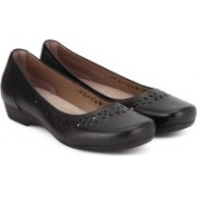 Clarks Blanche Garryn Black Leather Bellies For Women(Black)