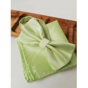 Светло зелена папийонка за сватба в комплект с кърпичка