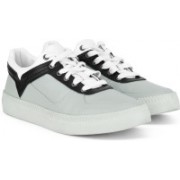 Diesel V IS FOR DIESEL S-SPAARK LOW Sneakers For Men(Grey)