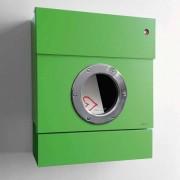 Radius Design Letterman 2 Briefkasten grün (RAL 6018) mit Klingel in rot mit Pfosten in Briefkastenfarbe