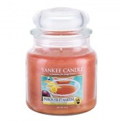 Yankee Candle Passion Fruit Martini vonná svíčka 411 g