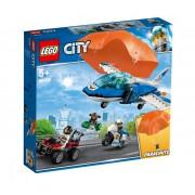 Set de constructie LEGO City Arest cu parasutisti al politiei aeriene
