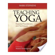 Teaching Yoga - Essential Foundations and Techniques (Stephens Mark)(Paperback) (9781556438851)