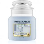 Yankee Candle A Calm & Quiet Place vela perfumada Classic mediana 411 g