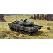Revell Leopard 2 A5/A5 NLL tank harcjármű makett 3187