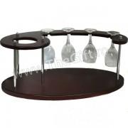 Minibar cu o sticla si patru pahare