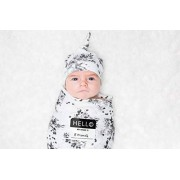 Lulujo Newborn Set Muslin Swaddle, Hat and Sticker, Color, Pack of/Paquete de 1