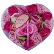 Set cadou Heart Box cu trandafiri din sapun pentru decor si baie ROZ si ROSU