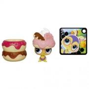 Hasbro Littlest Pet Shop Hide 'N Sweet Bee Pet by Littlest Pet Shop