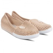 Vaniya shoes Women's Cream Bellies