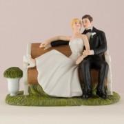 """Figurina tort """"Pe bancuta in parc"""". Cod F977"""