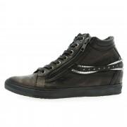 Khriò Sneaker in pelle stringata con cinturini decorativi e zeppa