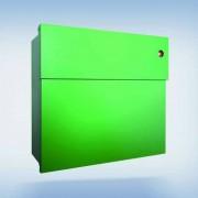 Radius Design Letterman 4 Briefkasten grün (RAL 6018) mit Klingel in rot mit Pfosten in Briefkastenfarbe