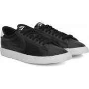 Nike Sneakers For Men(White, Black)