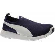 Puma ST Trainer Evo Slip-on Sneakers For Men(Blue)