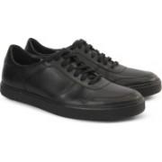 Clarks CALDERON SPEED BLACK LEATHER Sneakers For Men(Black)