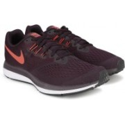 Nike ZOOM WINFLO 4 Running Shoes For Men(Burgundy)