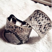 V&V Spona pro tvorbu copu kovová podkova (hadí kůže) - V&V