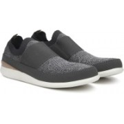 Clarks Pitman Step Grey Fabric Casual For Men(Grey, Black)