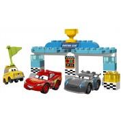 10857 LEGO® DUPLO Cars - Cursa pentru Cupa Piston
