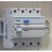 Áram-védőkapcsoló (Fi-relé), A osztály, 4P, 40A, 30mA (Hager CD440J)