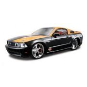 Maisto - 2043047 - Maquette De Voiture - Ford Mustang Gt '11 - Noir/Orange - Echelle 1/24-Maisto