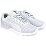 Puma Vigor Dash Training Shoes For Men(Grey)