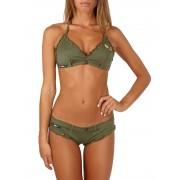 Bikini Brassiere Pin-Up Stars